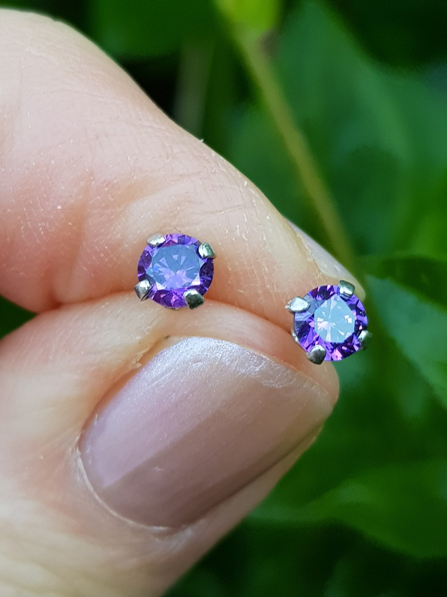 LIMITED STOCK - SILVER, CUBIC ZIRCONIA AMETHYST STUD EARRINGS - ONLY £9.95 - FREE UK DELIVERY