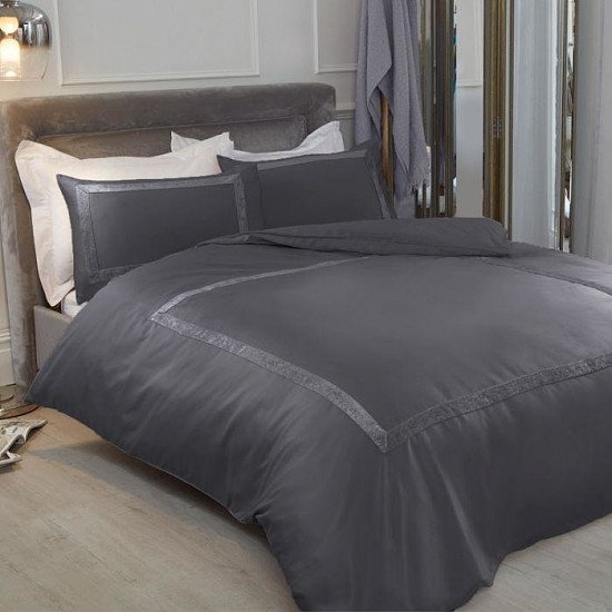 Crushed velvet bedding