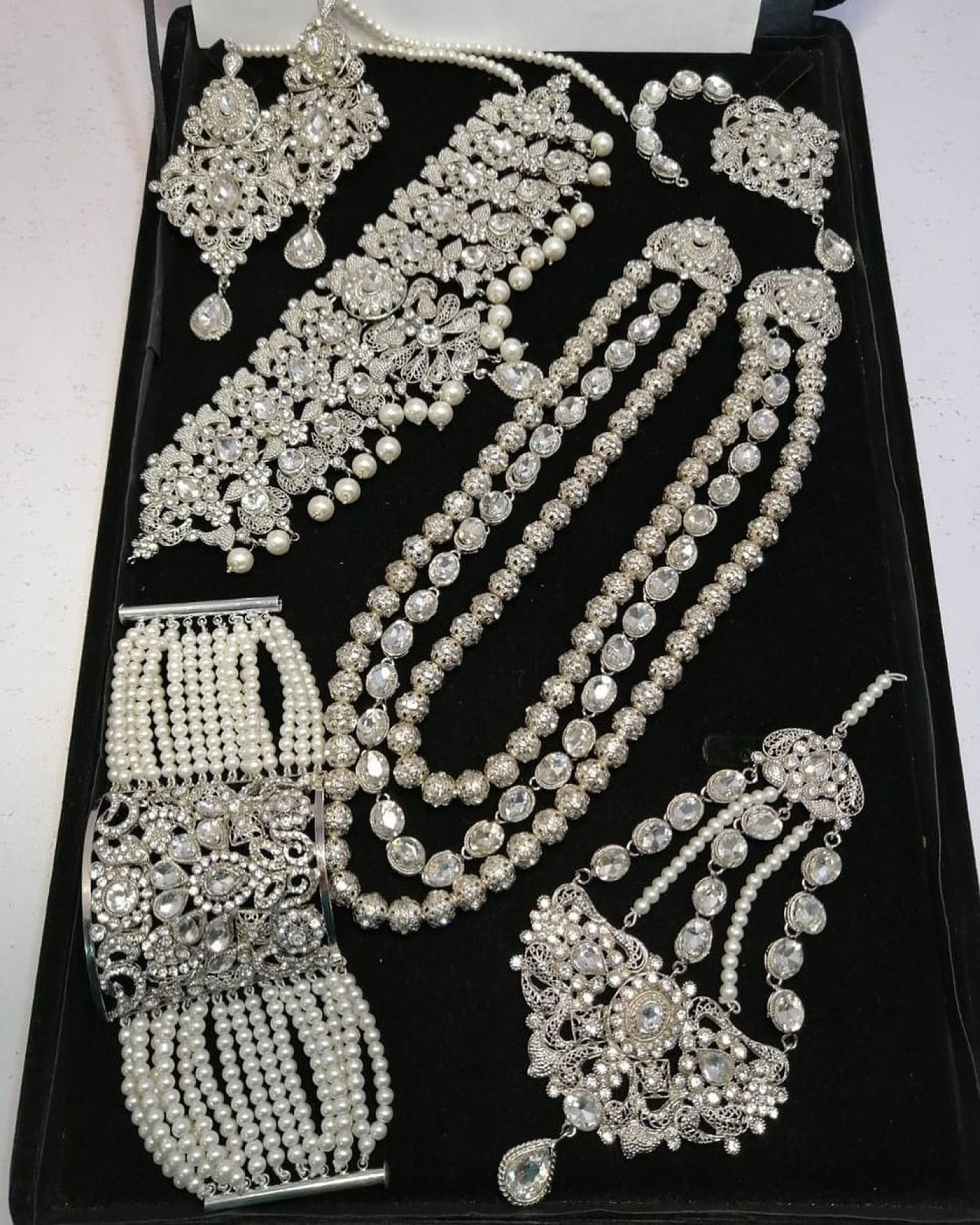 Bridal jewellery set 10% Discount and free delivery