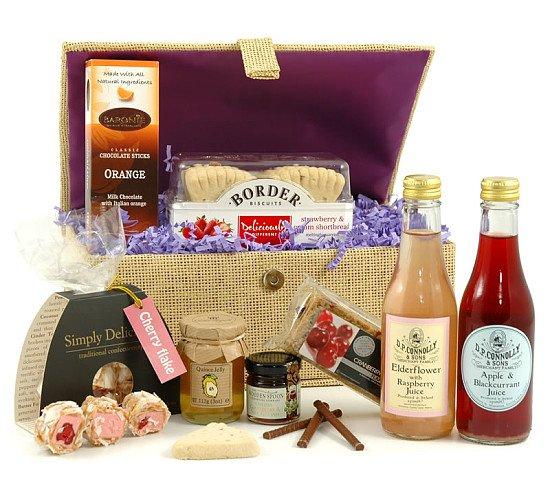 SUMMER HAMPERS - Summer Berries Gift Hamper, £36.00!
