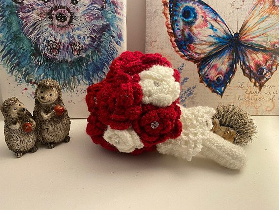Handmade crochet bouquet - Red and White