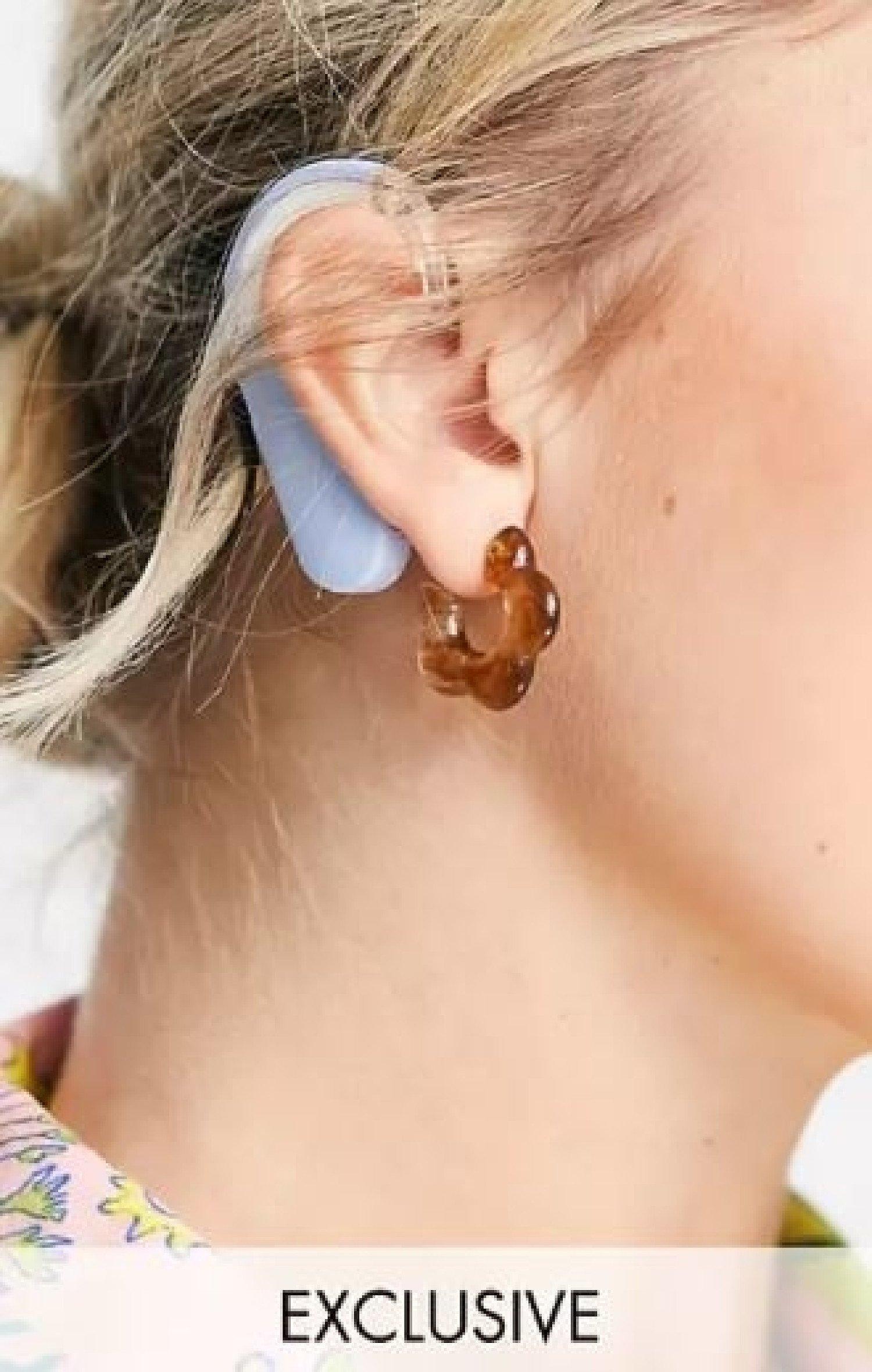 Reclaimed vintage inspired flower earrings in tortoiseshell current price - £6.00!
