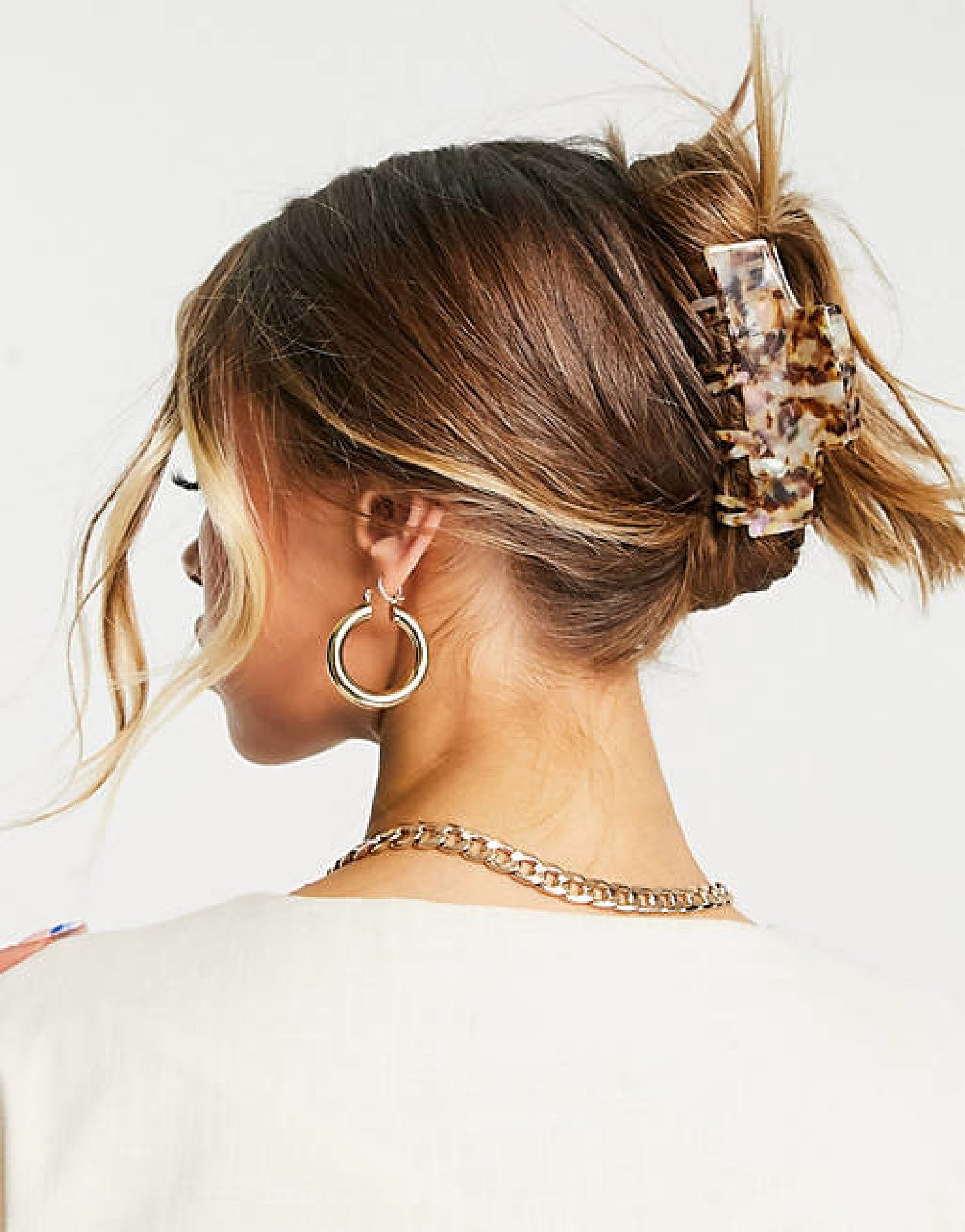 ASOS DESIGN hair clip claw with double prongs in pale tort current price - £8.00!
