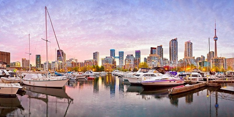 £267 – Fly direct to Toronto from London & Birmingham (return)