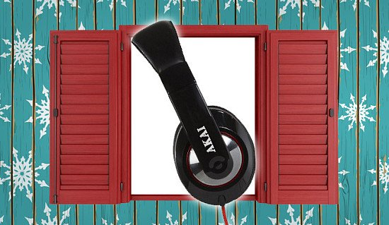 AKAI Pro Series Over Ear Headphones Worth £49.99 Now £9.40