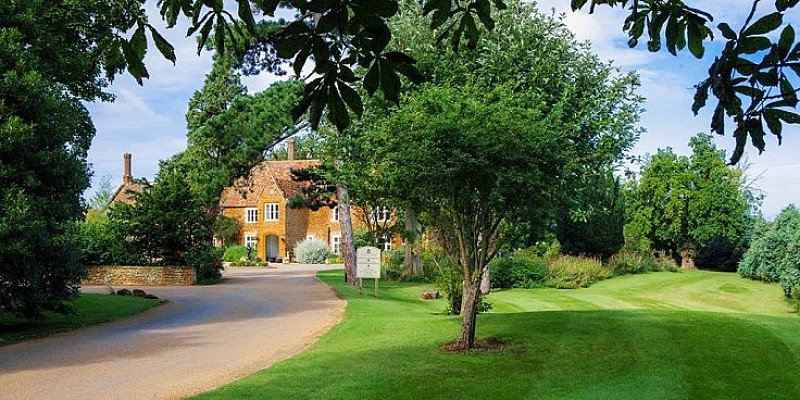 59% OFF – Norfolk getaway with prosecco & spa access at Heacham Manor Hotel!