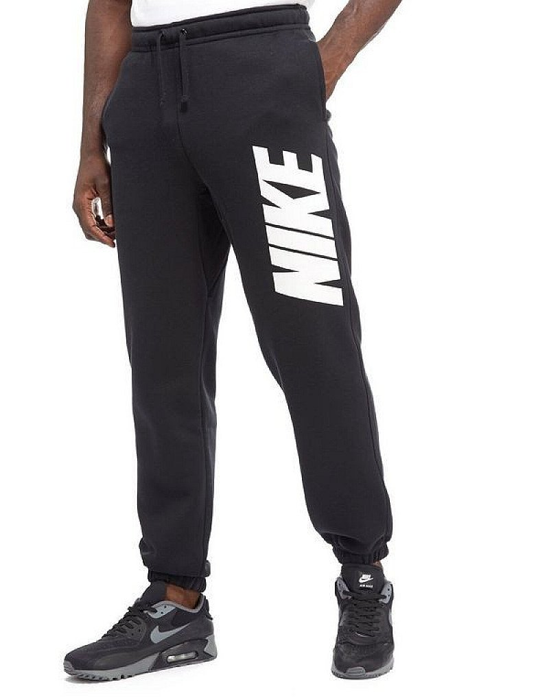 Save £10 on these Nike Club Pants