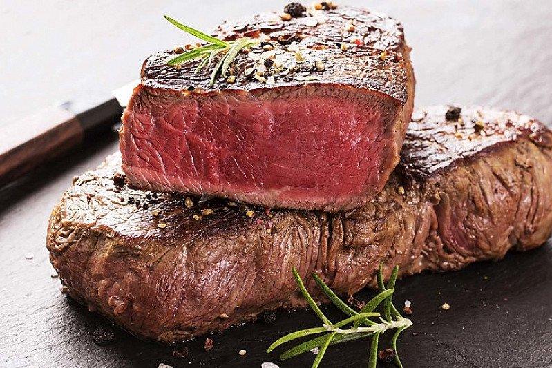 Dinner from 5 pm - Enjoy our sirloin steak £18.50!